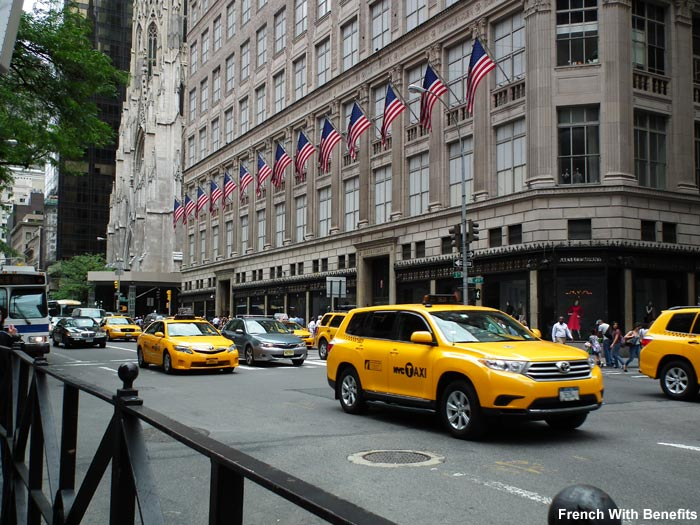 Taxis jaunes new york french with benefits - Rideau new york taxi jaune ...